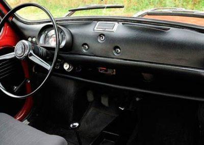 Tapizado interior del Seat 600 L